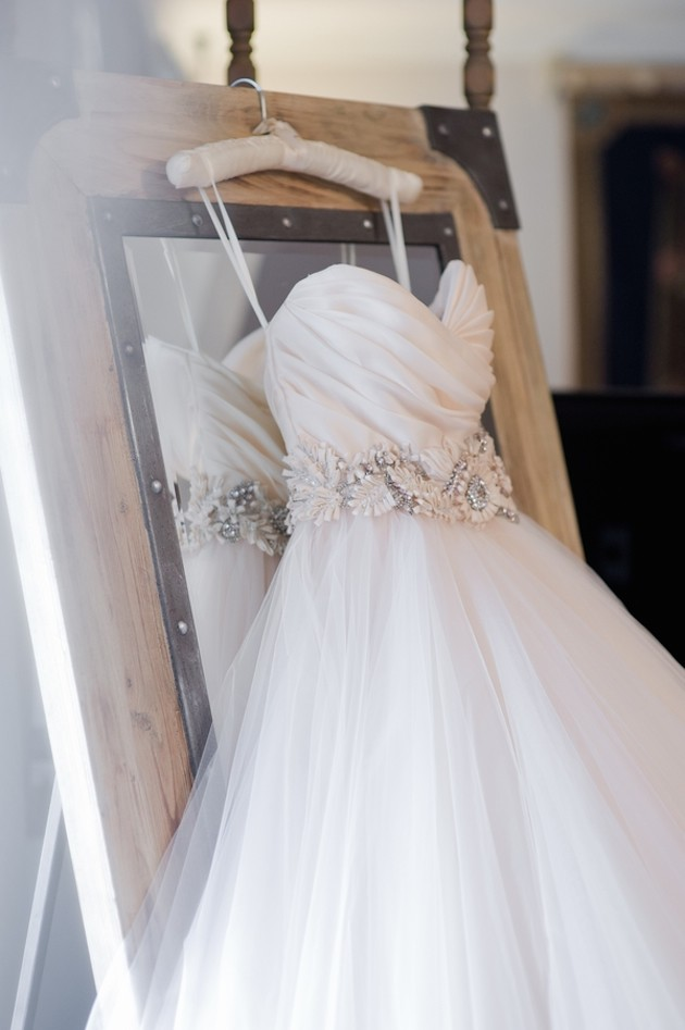 wedding-dress-shopping-tips-guide